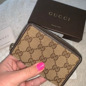Gucci coin purse (with zipper)